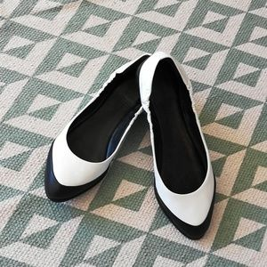 Rachel Roy two tone flats Sz 6.5
